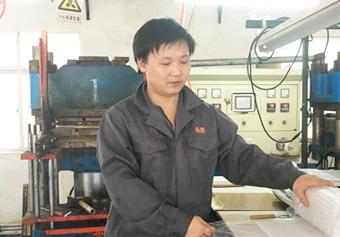 陆凯橡塑生产工程师-陈敬勇